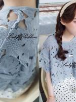 Lady Ribbon Floral Loose Crop Top เสื้อครอปสีฟ้า สีขาว